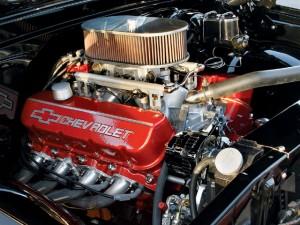 0811clt_08_z+1969_chevy_c10+chevy_engine